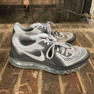 Nike Shoes - Men's Nike Airmax neutral ride running shoes
